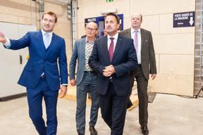 Gilles Nackaerts (Brasserie de Luxembourg), Claude Turmes (Ministre de l'Énergie), Xavier Bettel (Premier ministre) et Claude Haagen (Député-Bourgmestre de Diekirch) ((Photo: LaLa La Photo, Keven Erickson, Krystyna Dul))