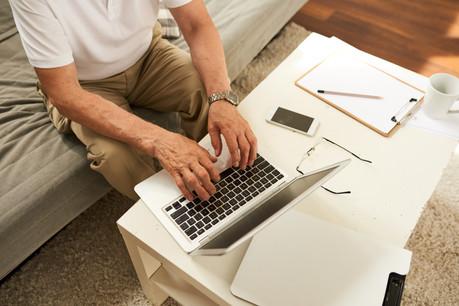 La demande est introduite à l'aide d'un assistant en ligne disponible à travers l'espace professionnel de MyGuichet.lu. (Photo: Shutterstock)