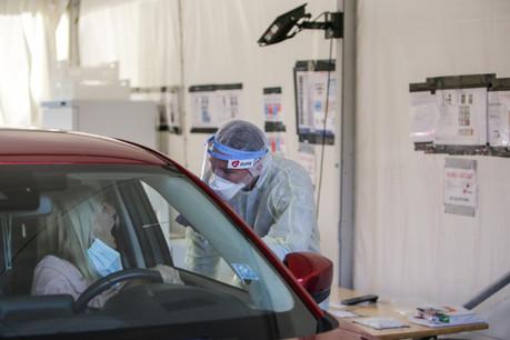 Les tests pour des voyages représentent 500 des 10.000 tests quotidiens réalisés dans les huit stations de test du pays, selon le ministère de la Santé. (Photo: Romain Gamba / Maison Moderne)