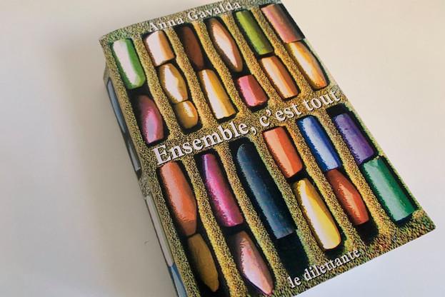 LaureElsen a apprécié la lecture de «Ensemble, c'est tout», d'AnnaGavalda, qui trouve un nouvel écho en cette période si particulière. (Photo: Laure Elsen)