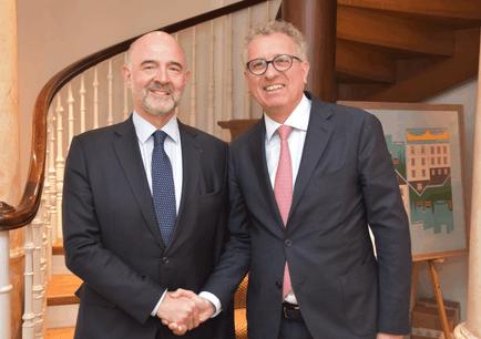 Pierre Moscovici a profité de son passage au Luxembourg pour rencontrer le ministre des Finances, Pierre Gramegna. (Capture d'écran: Twitter/Ministère des Finances)