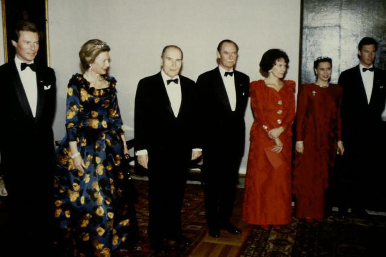 À l'occasion de la réception du président français François Mitterrand et de son épouse Danièle. (Photo: Cour Grand-Ducale / Archives)