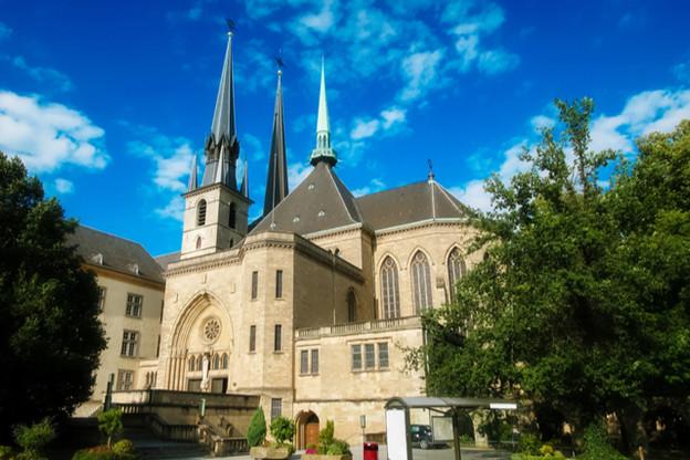Les dons collectés lors de la messechrismale qui aura lieu mercredi seront reversés pour la restauration de la cathédrale. (Photo: Shutterstock)
