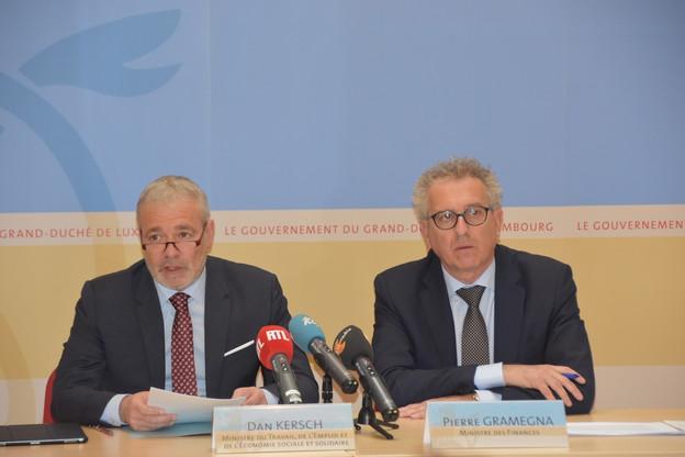 Dan Kersch, ministre du Travail, et Pierre Gramegna, ministre de Finances, ont détaillé la mesure, prioritaire pour la coalition en place. (Photo: MFIN)