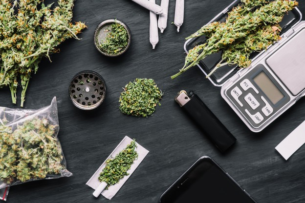 Avant d'organiser la production et la distribution du cannabis et de veiller à sa qualité, le gouvernement doit préparer l'éducation et la prévention. Et cela prendra encore du temps. (Photo: Shutterstock)
