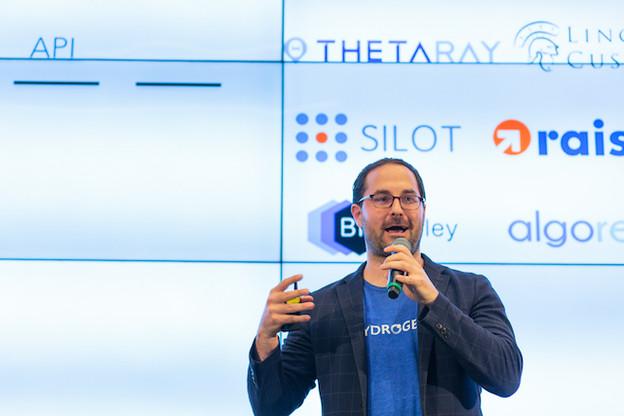 Mike Kane, durant le pitch lors des Fintech Awards 2018. (Photo: Matic Zorman / archives)