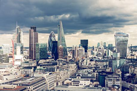 L'incertitude pèse de plus en plus sur la City, selon le rapport. (Photo: Shutterstock)