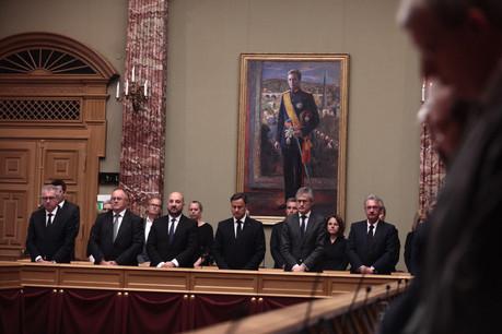 Les membres du gouvernement ont respecté une minute de silence à la mémoire du Grand-Duc Jean avant d'effectuer les travaux sur le budget. (Photo: Matic Zorman)