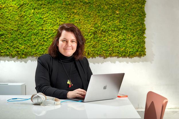 Pour Gaëlle Haag, une saine gestion de ses finances passe par la réduction des dépenses. (Photo: Andrés Lejona/Maison Moderne)