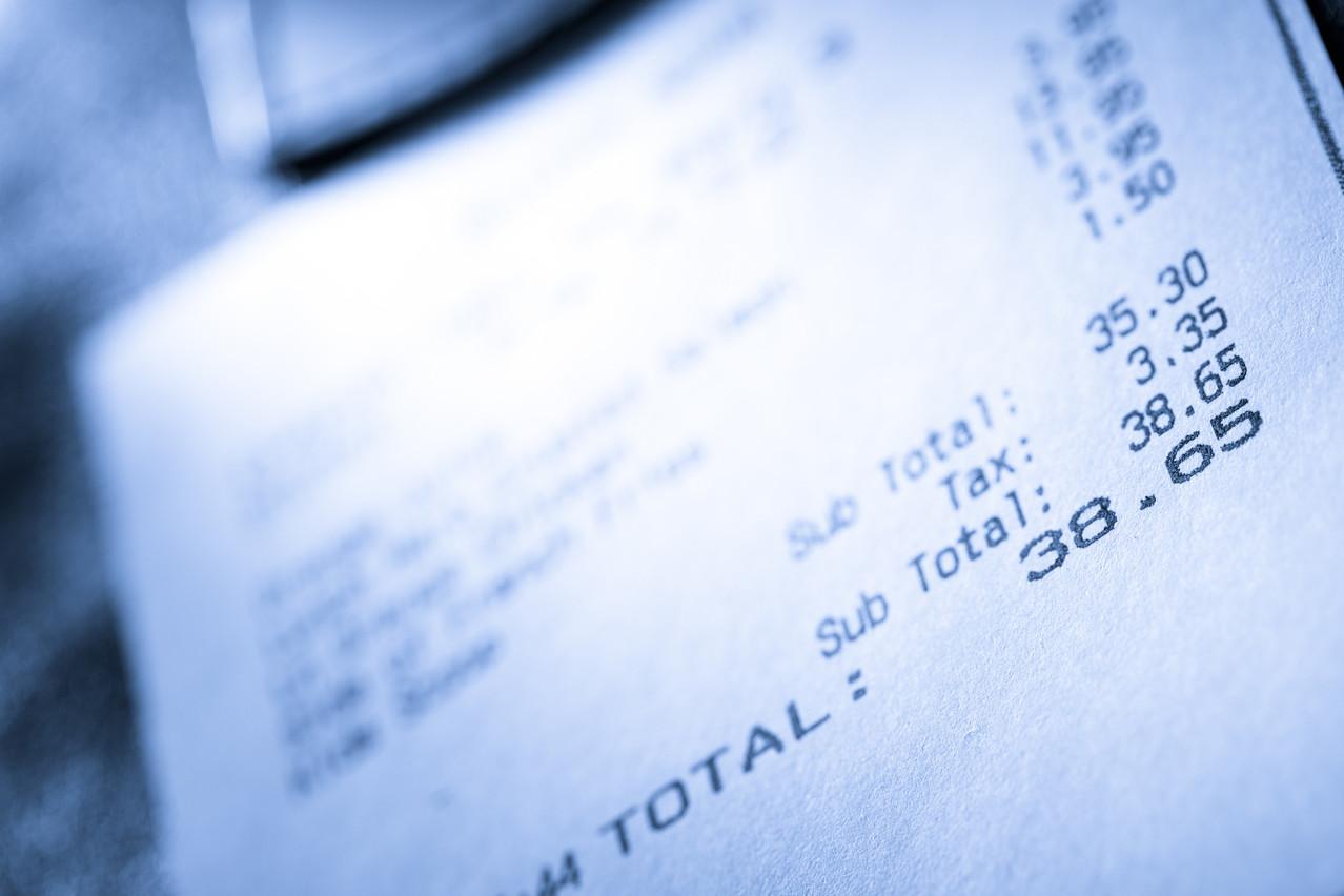 Tandis que les leaders du marché, Sodexo et Edenred, disent attendre des éclaircissements de la part de l'État, un entrepreneur a lancé la première solution de gestion numérisée des chèques-repas. (Photo: Shutterstock)