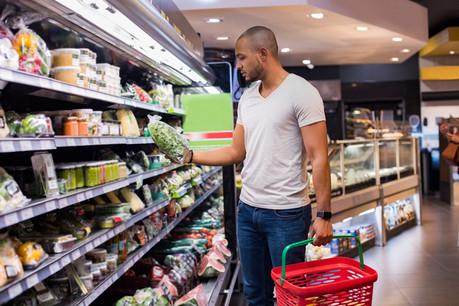 De nombreux célibataires estiment mériter le même traitement fiscal que les couples. (Photo: Shutterstock)