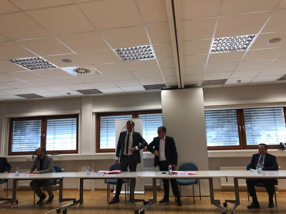 ThomasKallstenius et le président de 3D-Oxides, ChristianPetit, ont signé un nouveau partenariat pour le projet Stonb. (Photo: Paperjam.lu)