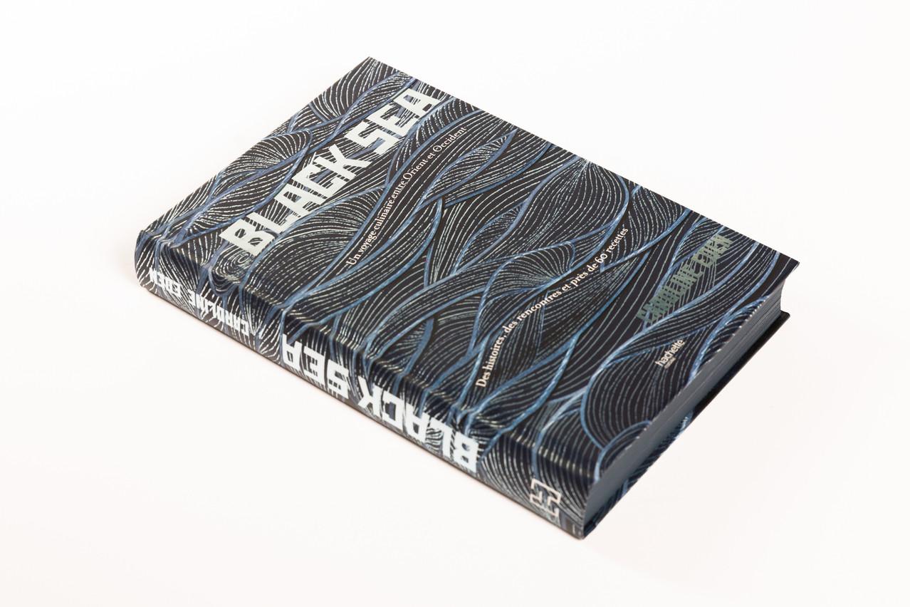«Black Sea» est non seulement un passionnant voyage culinaire, mais également un très beau livre, à la photographie impeccable. Romain Gamba
