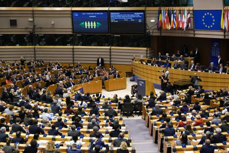 Loin des votes en plénière du Parlement européen, une guerre d'influence se mène en coulisse. (Photo: Shutterstock)