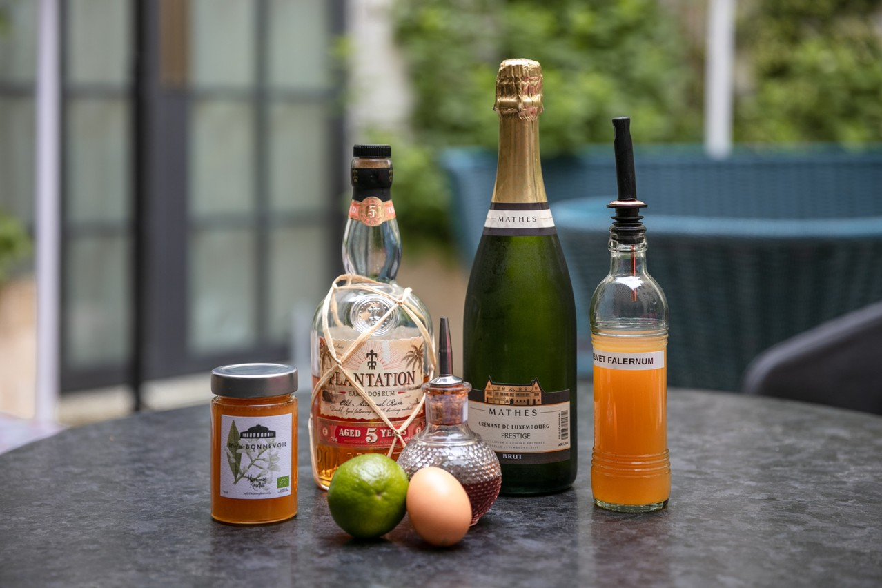 Crémant from Mathes and urban honey from Hugo Zeler: tasty products from Luxembourg are showcased and combined with more Caribbean flavours to create the 1867   Photo: Romain Gamba / Maison Moderne