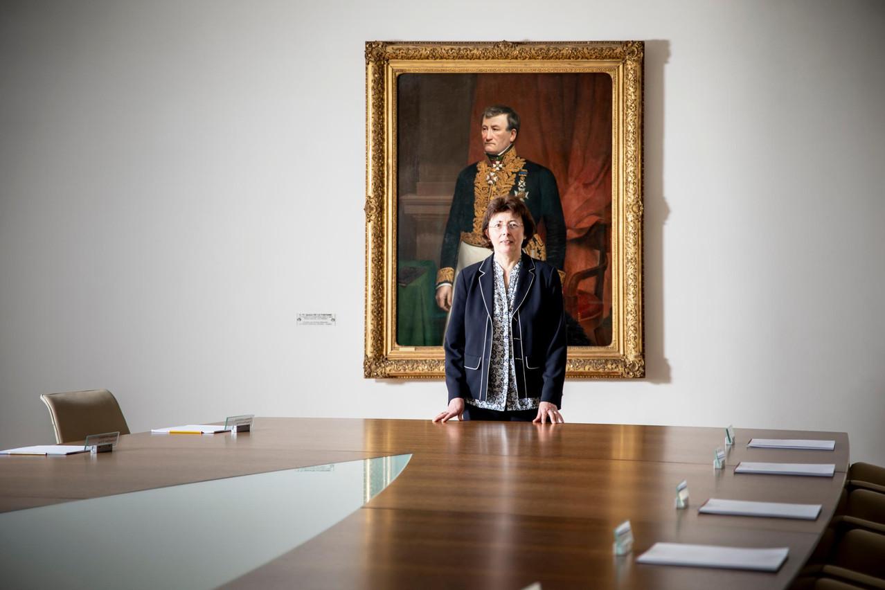 Certains voudraient que la législation soit rédigée en luxembourgeois. Unehypothèse balayée de la main par Agnès Durdu. «Alors moi, je rédigerais dans mon patois du Nord! J'appartiens à lagénération où le luxembourgeois n'était pas reconnu comme important. Je n'ai jamais appris à écrire convenablement leluxembourgeois et je necompte pas retourner auxétudes…» (Photo: Patricia Pitsch / Maison Moderne)