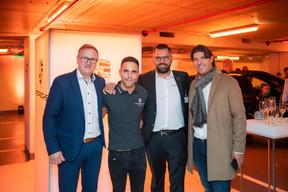 Paul Lopes, Dylan Pereira (Pilote automobile), Armando Rodrigues (Porsche Zenter) et Javier Linares ((Photo: Johannes Nollmeyer))