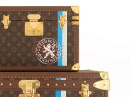 Le cachet postal du Luxembourg a été reproduit. ((Photo: Aymeric Masson/Louis Vuitton))