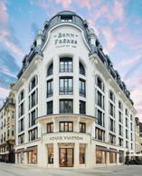 La façade de l'immeuble a été restaurée pour redonner toute sa superbe à cet immeuble de coin. ((Photo: Stéphane Muratet/Louis Vuitton))