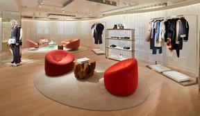 Des espaces salons sont aménagés pour accueillir les clients. ((Photo: Stéphane Muratet/Louis Vuitton))