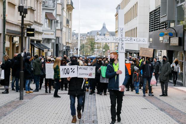 Le week-end passé, le secteur de l'horeca a manifesté dans les rues de Luxembourg pour une nouvelle fois attirer l'attention sur la situation dramatique dans laquelle se trouvent notamment cafetiers et restaurateurs. (Photo: Matic Zorman/Maison Moderne)