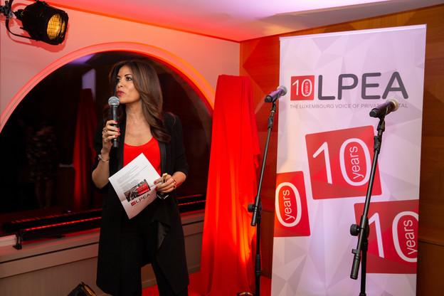 CEO de la LPEA,RajaaMekouar-Schneider a présenté les priorités de l'association pour les 10prochaines années. (Photo: Romain Gamba/Maison Moderne)