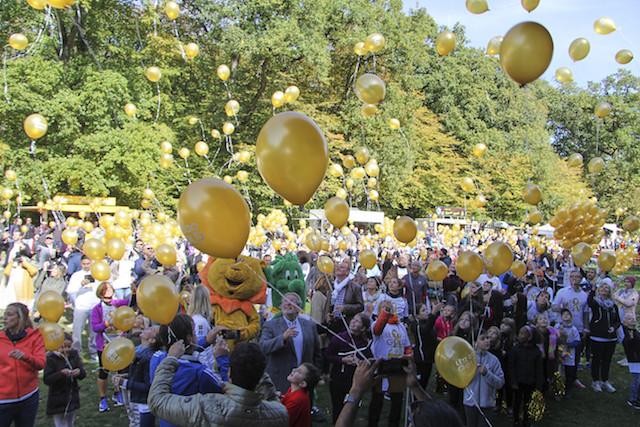 Lëtz Go Gold, c'est aussi un village éphémère pour le meilleur accueil des coureurs. (Photo: Collectif Reflex/Georgia Athanasopoulos)