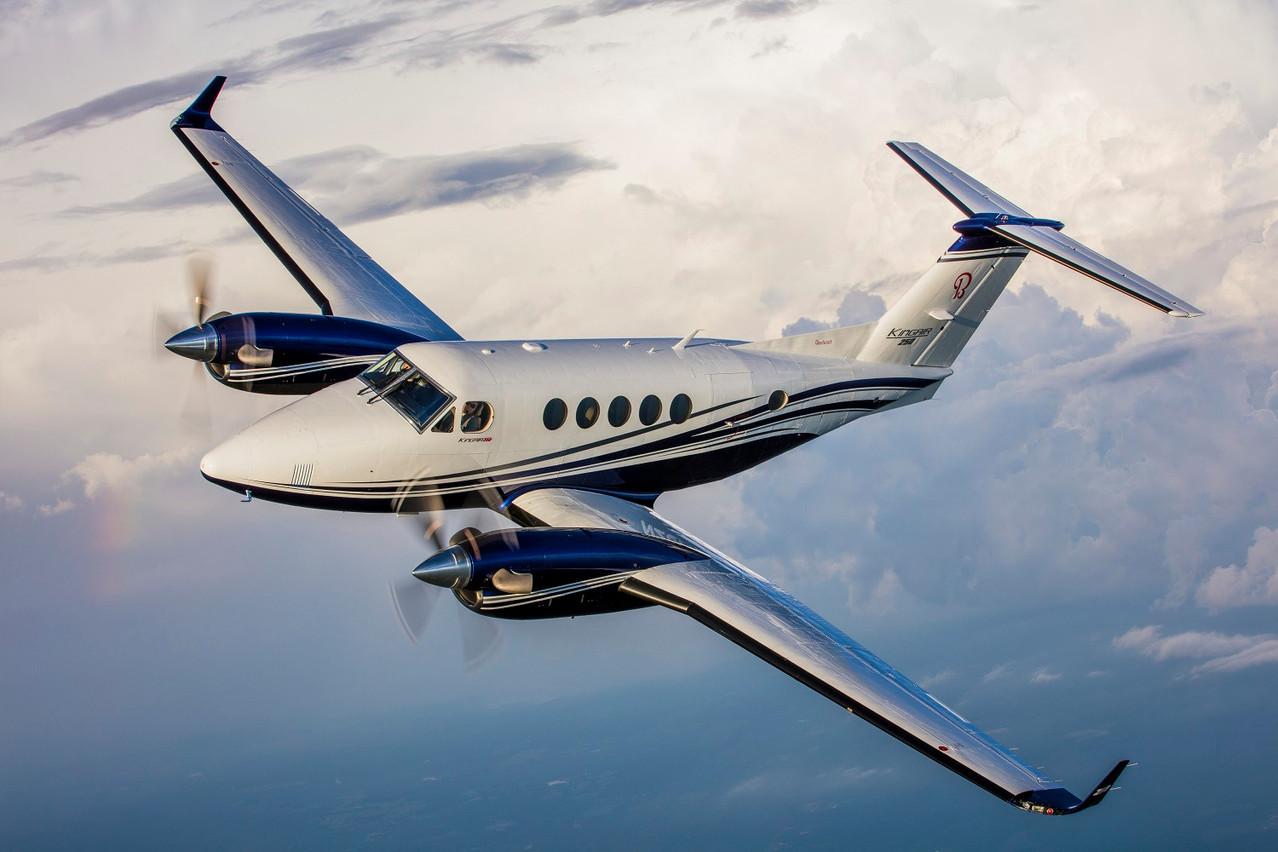 Des avionsKing Air 350 à dix places et King Air 250 à huit places pourraient assurer de futurs trajets entre Lugano, Genève et Berne. (Photo: Luxaviation)