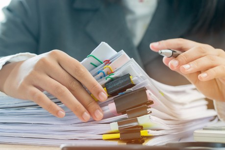 La bureaucratie est toujours un problème pointé par les entrepreneurs qui participent au classement mondial annuel de la compétitivité. (Photo: Shutterstock)