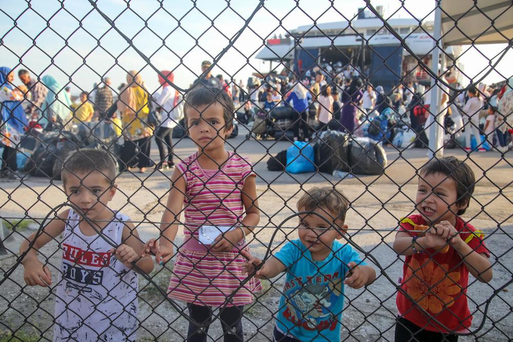 400 mineurs migrants non accompagnés évacués du campement de Moria seront accueillis par 10 pays européens, dont le Luxembourg. (Photo: Shutterstock)
