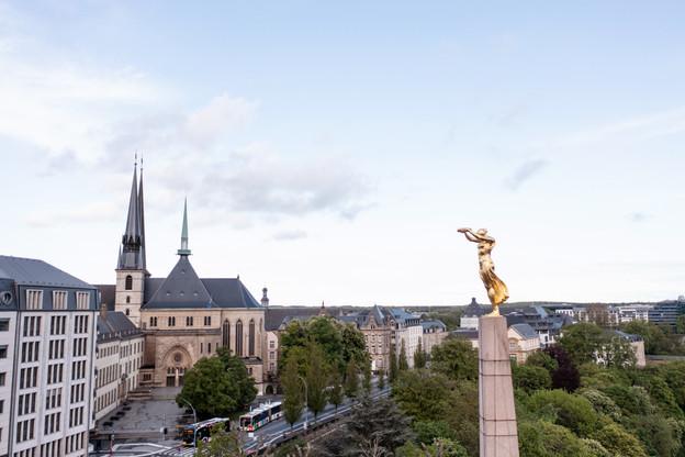 Un choc sévère sur la place financière fait figure de scénario sombre susceptible de pousser l'agence de notation à réduire sa note attribuée au Luxembourg. (Photo: EU)