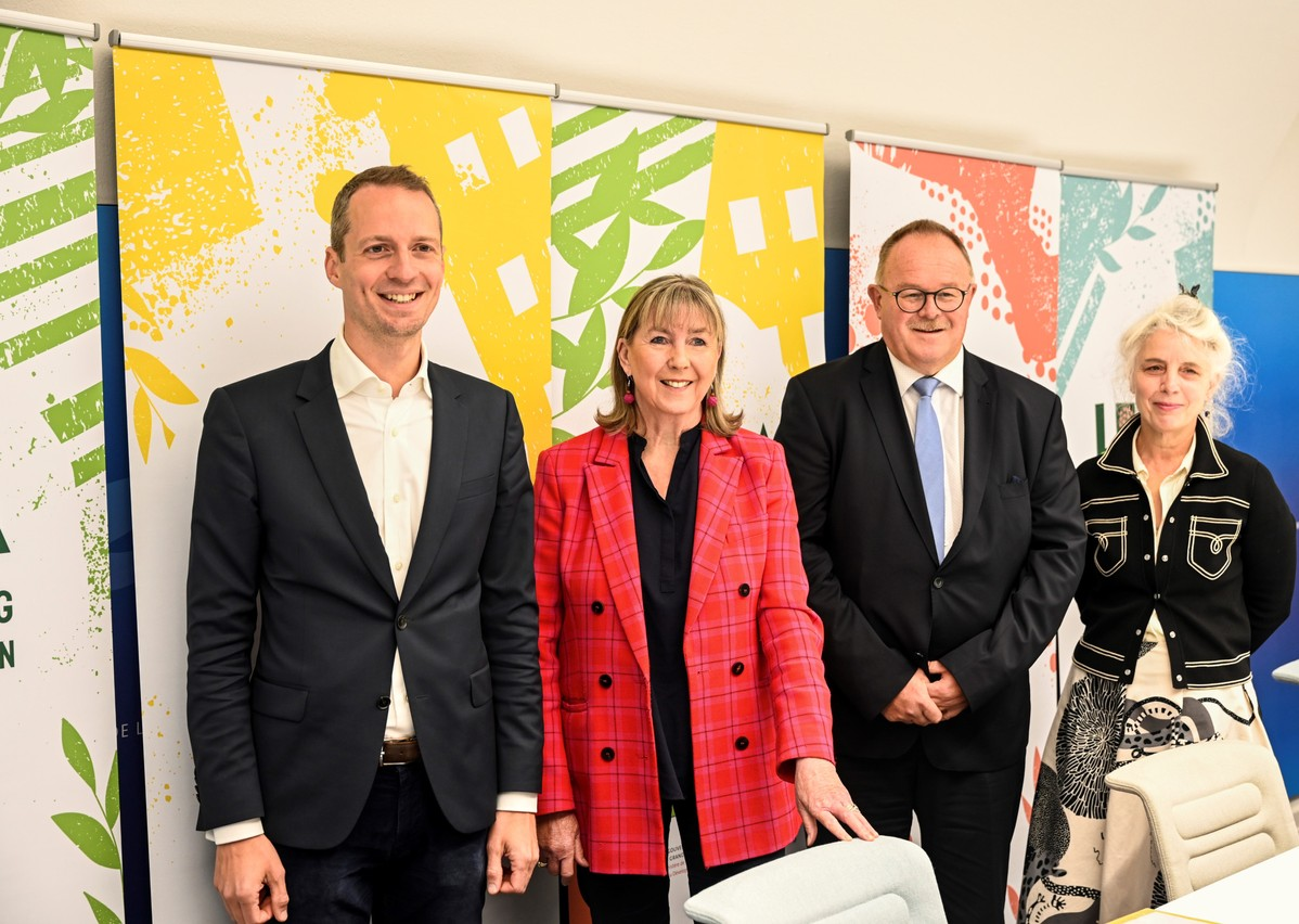 From left to right: Serge Wilmes and Lydie Polfer (both City of Luxembourg), agriculture minister Romain Schneider and Ann Muller (Luga not-for-profit) Photo: Photothèque de la Ville de Luxembourg / Charles Soubry