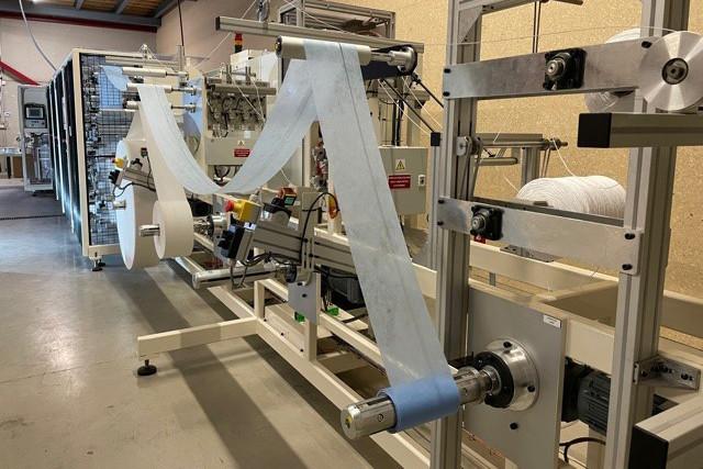 La première machine de production de masques est déjà en route dans les locaux d'Action Wear à Niederkorn. (Photo: Action Wear)