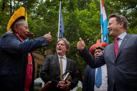 Entre Raoni et le Premier ministre Xavier Bettel, le courant est bien passé. (Photo: Matic Zorman)