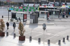 Sur le parvis de la gare ((Photo: Matic Zorman / Maison Moderne))