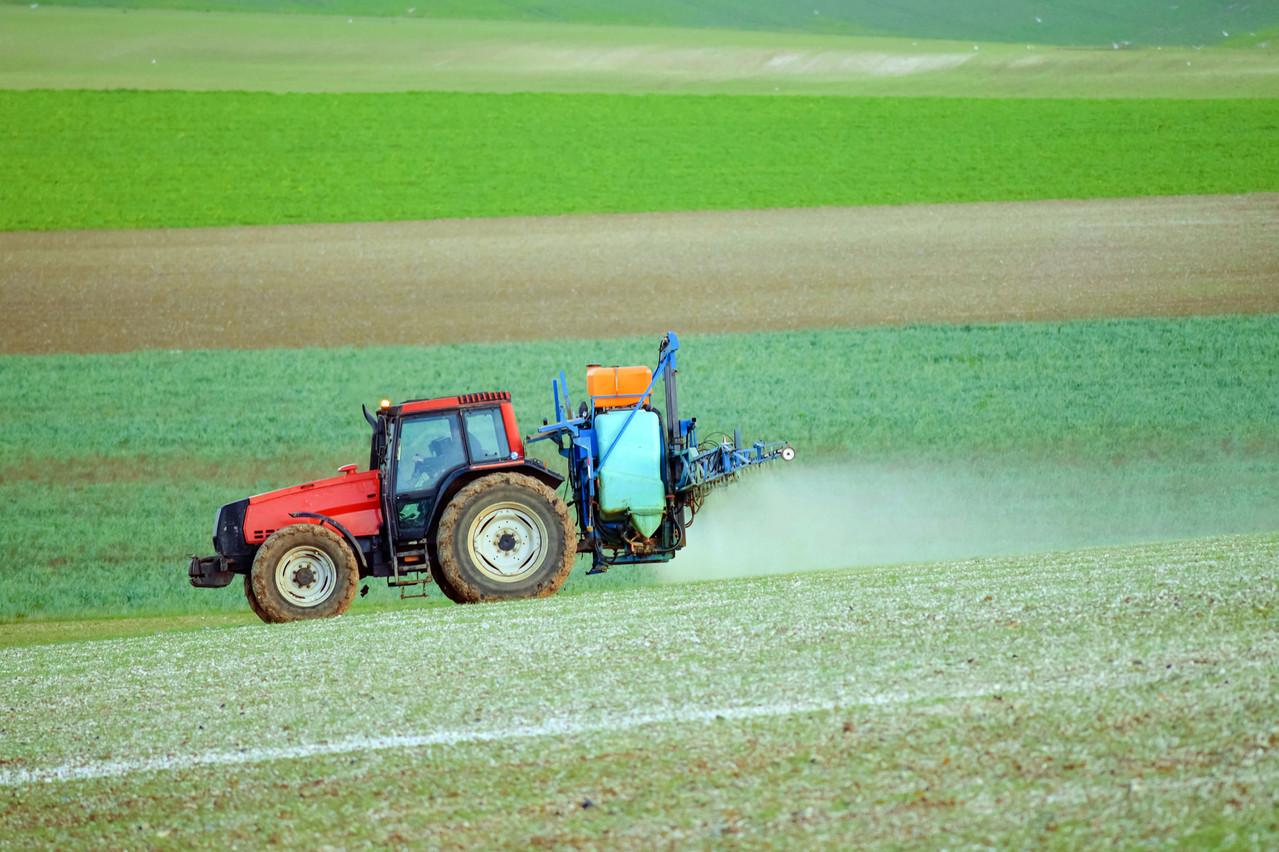 Chaque année, les professionnels utilisent 13,6tonnes de glyphosate au Luxembourg. (Photo: Shutterstock)