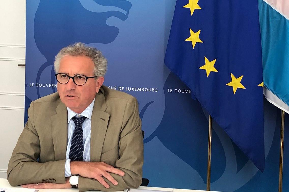 Comme ses pairs européens, PierreGramegna, ministre des Finances, a assisté à un débriefing sur l'idée annoncée la veille par la chancelière allemande et le président français d'un fonds de relance à 540milliards d'euros. (Photo: SIP/Ministère des Finances)