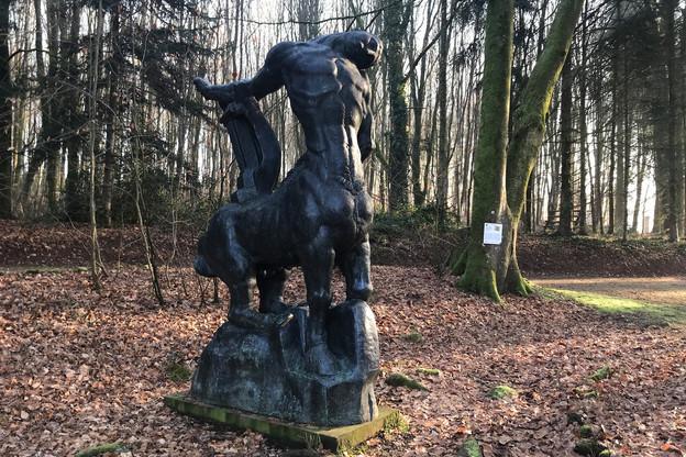 «Le Centaure» de Bourdelle se situe juste à côté du château de Colpach, à l'entrée du parc. (Photo: Paperjam)