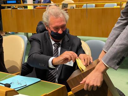 JeanAsselborn a voté lors de l'élection des nouveaux membres du Conseil des droits de l'Homme des Nations unies. Le Luxembourg a obtenu son siège avec 180 voix. (Photo: MAEE)