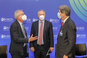(from left to right) Pierre Gramegna, Minister of Finance; Mathias Cormann, Secretary General of the Organisation for Economic Co-operation and Development (OECD); Jose W. Fernandez, Deputy Secretary of the United States of America for the Economy, Energy and the Environment SIP/LUC DEFLORENNE