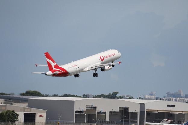 Après deux années d'essais et des tests depuis le début de l'année, Vallair a enfin livré son premier A321F, un avion «passagers» reconditionné en avion de fret, pour la compagnie australienne Qantas. (Photo: Vallair)