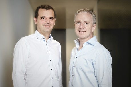 Le CEO de Luxhub, JacquesPütz, et son directeur opérationnel, ClaudeMeurisse, vont pouvoir accélérer le développement de leur plate-forme d'open banking. (Photo: Luxhub)
