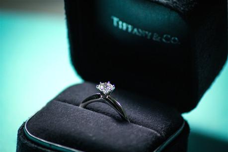 Réputé pour ses bagues de fiançailles et ses colliers de diamants blancs, Tiffany est une belle prise pour le groupe de luxe LVMH. (Photo: Shutterstock)