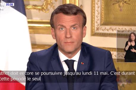 Le président français, Emmanuel Macron, a annoncé des aides aux familles les plus vulnérables et un maintien en confinement des personnes les plus âgées et de celles qui souffrent de maladies chroniques. (Photo: Capture d'écran / BFM TV)