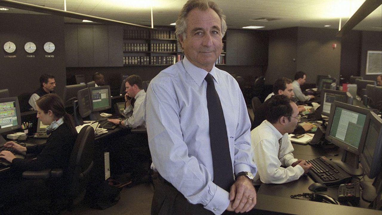 Bernard Madoff, dans ses bureaux, du temps de sa splendeur en 1999, avant que la crise financière de 2008-2009 ne fasse tomber le domino de son système de Ponzi. (Photo: archives Ruby Washington)