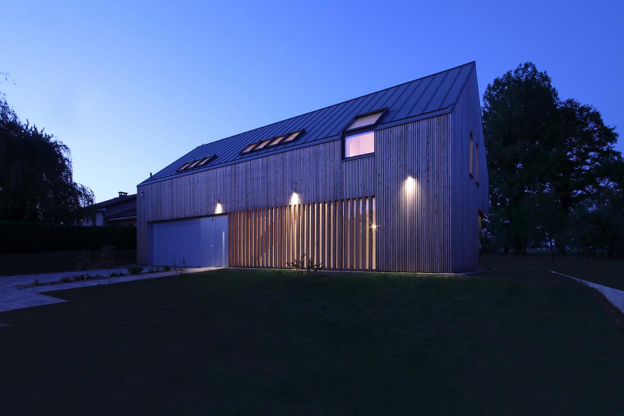 La maison est réalisée en bois, sur un sous-sol en béton. (Photo: Morph4)