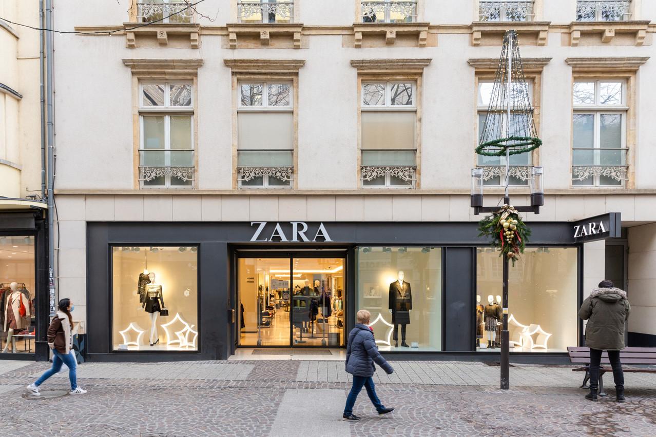 Inditex ambitionne de booster ses ventes en ligne et compte fermer son magasin de la Ville Haute d'ici la fin juin2021. (Photo: Romain Gamba / Maison Moderne)