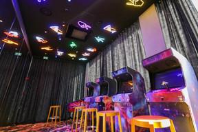 Les clients peuvent s'amuser sans limites avec les jeux d'arcades. ((Photo: Romain Gamba / Maison Moderne))