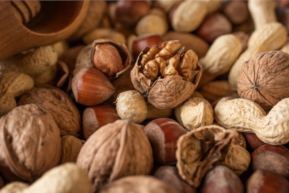 L'automne, c'est la saison des fruits, des pommes, des poires, mais aussi des noix et des noisettes, disponibles en abondance, selon Natur&ëmwelt. (Photo: Shutterstock)