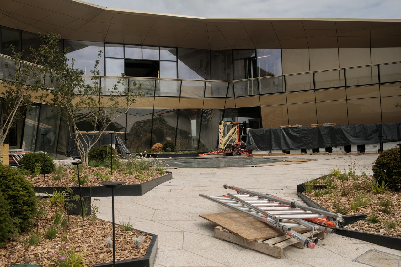 La terrasse prévue pour le restaurant comporte un véritable sky garden ouvert au public (Photo: Matic Zorman / Maison Moderne)